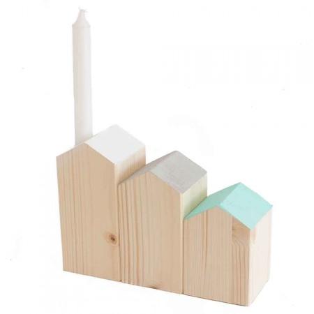 Casitas candelabro en madera