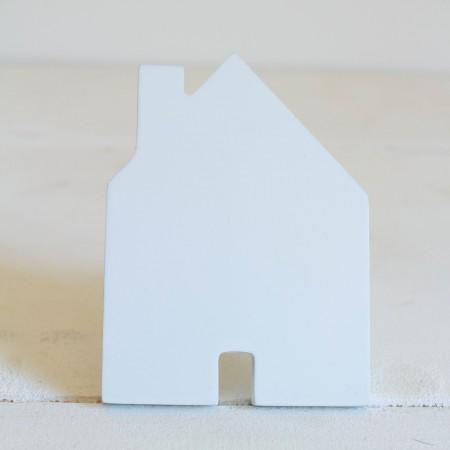 Hanger-shaped house