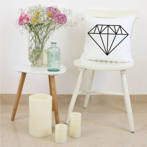 White and black diamond cushion