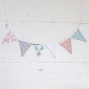 Escandi pennants garland in grey