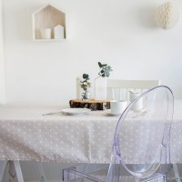 Tablecloth with white stars in sand